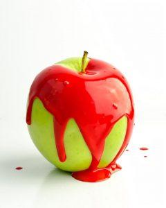 pomme verte avec rouge
